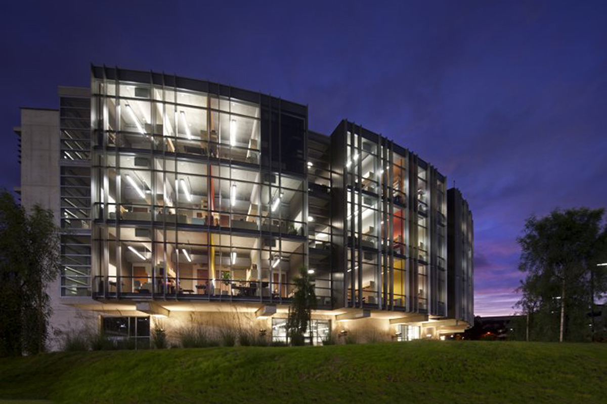 STRUCTURAL AND MATERIALS ENGINEERING BUILDING
