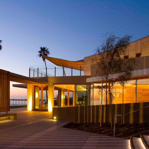 "Robert Paine Scripps ""Seaside"" Forum in La Jolla, CA by Safdie Rabines Architects"