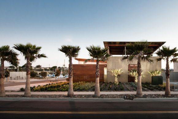 Oceanside Harbor Aquatics Center by Safdie Rabines Architects
